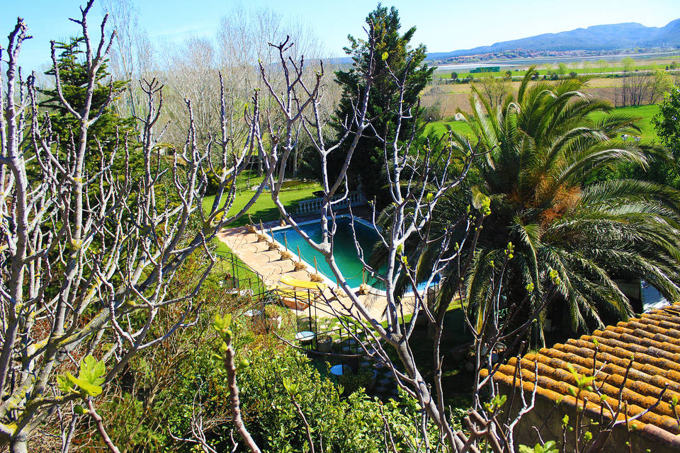 Magic villa for sale with a beautiful swimming pool huge garden costa brava buy sell real estate entercasa catalunya  spain