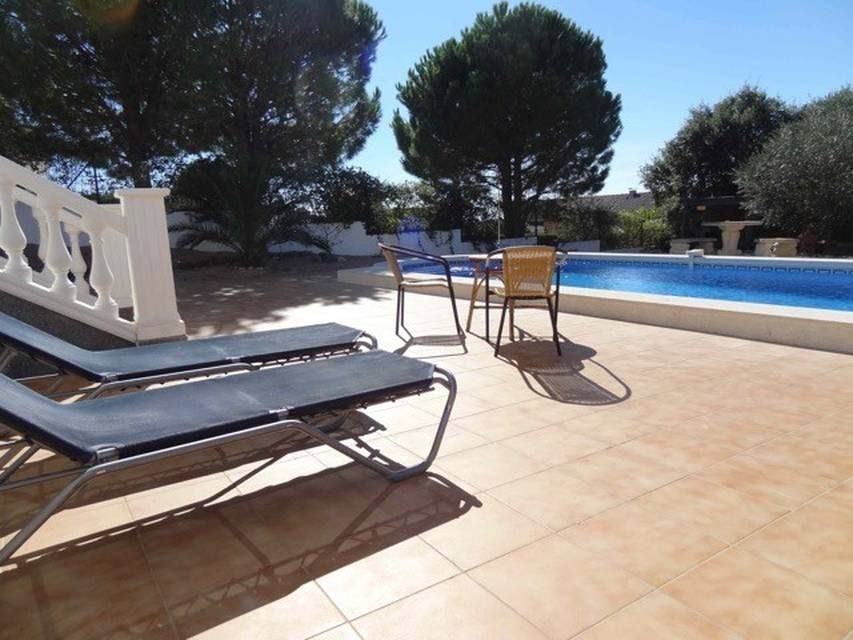 Real estate Entercasa sale spacious modern villa surrounded by natural parks in Els Olivars, Pau spain costa brava buy roses rosas swimming pool