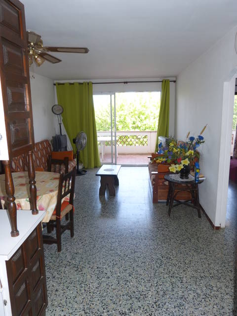 Real estate Entercasa sale Roses Rosas Costa Brava Spain Very centrally located 2 bedroom apartment for sale 150m from the beach in Empuriabrava