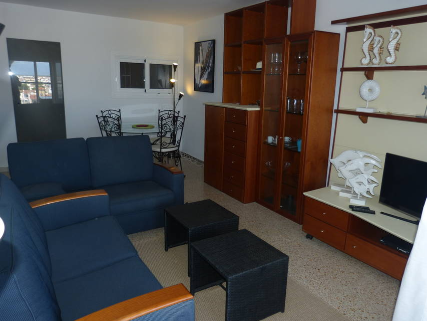 Apartment in the first line of the beach of Empuriabrava for sale by Entercasa