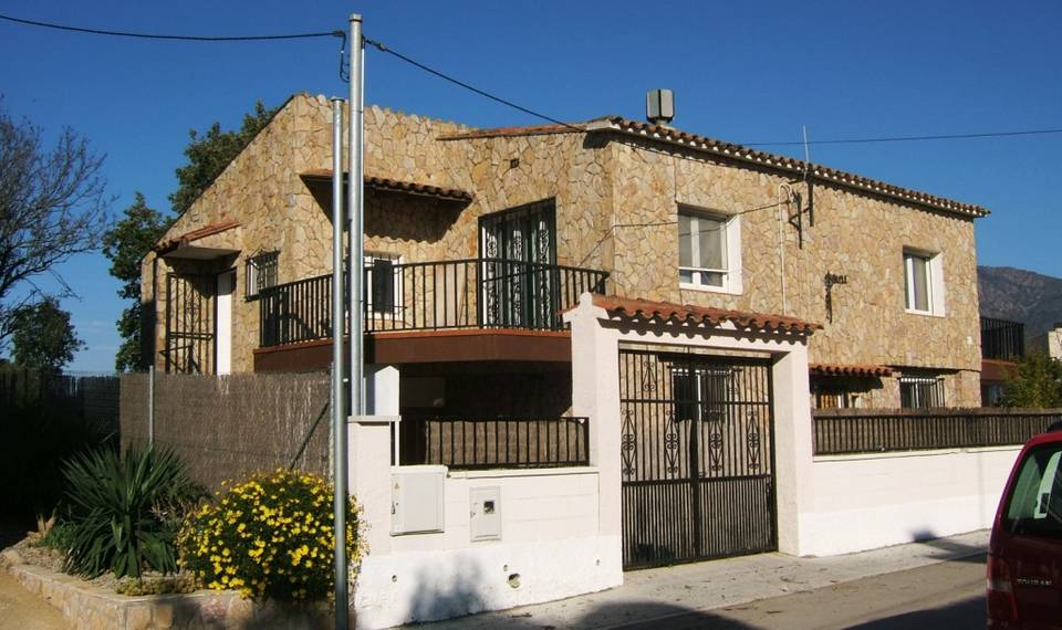 Very spacious house in the urbanization of Rosas Les Garrigues